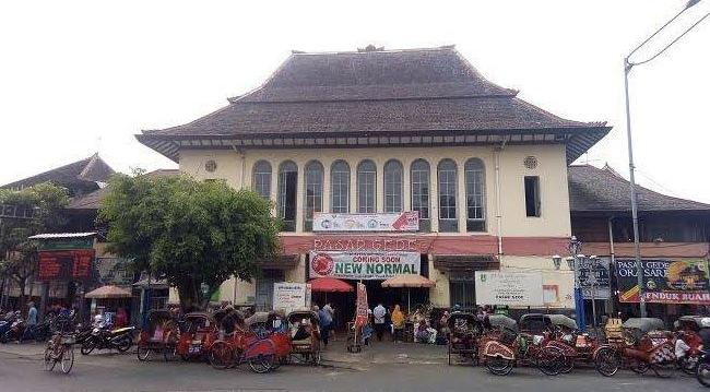 Pasar Gedhe Hardjonagoro